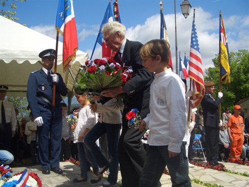 The Branch Chairman Laying The Wreath At Mougins VE Day Memorial Ceremony