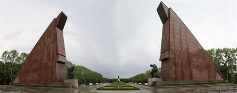 Panorama _of _the _Russian _War _Memorial _at _Treptow