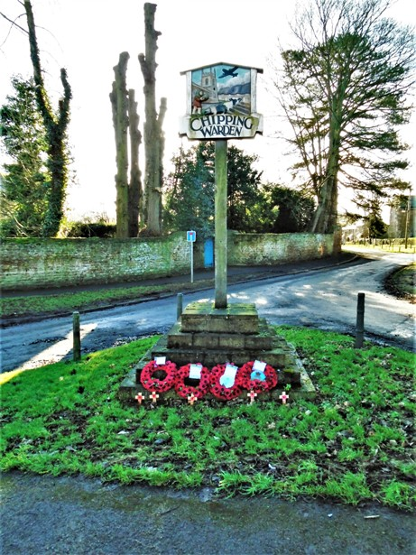 Chipping Warden Village Post With Wreaths